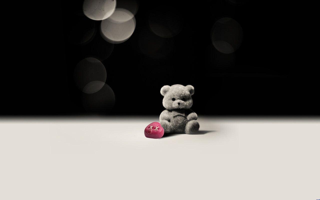 孤独的小熊 板报背景图片