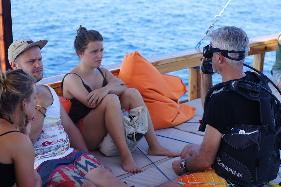 Padi Course | Diving in Komodo | Manta Rhei Dive Center | Luxury Boat