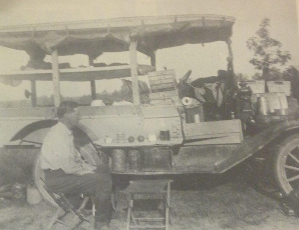 photo-8_deam-breakfast-outside-model-t-ford-june-20-1923-marble-hill-jefferson-county