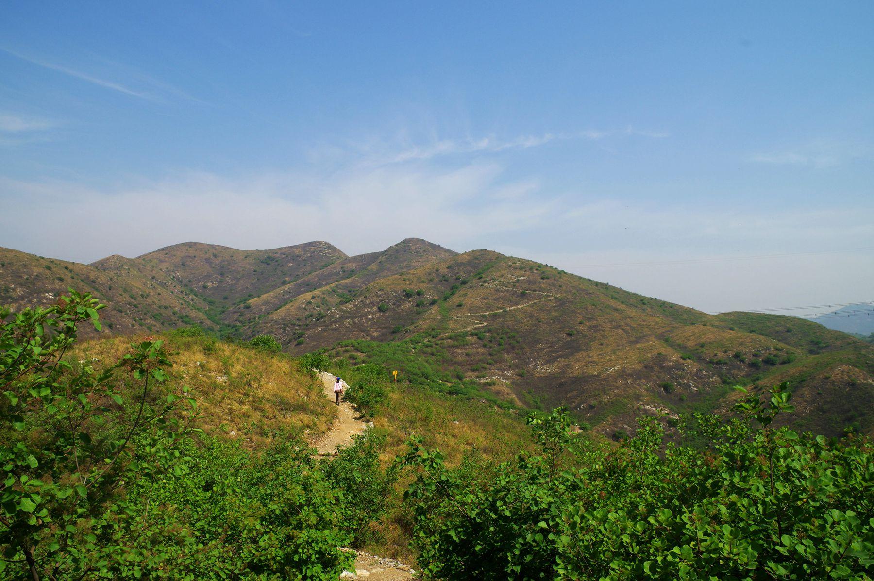 寻找最美风景?五彩浅山步道登山+参观焦庄户地道战遗址2日游