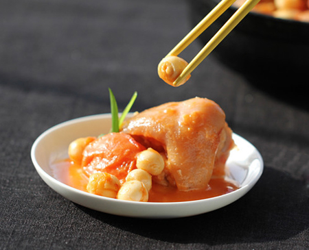 Braised Trotters with Tomato and Lotus Seed