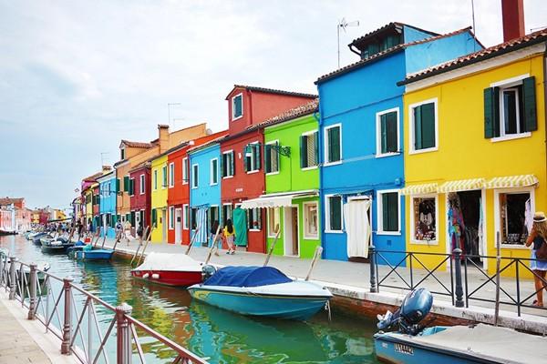 威尼斯上百风情小岛