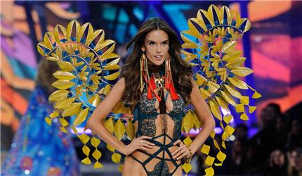 维多利亚的秘密大秀每年这个时候都要占满时尚媒体的大头条,虽然维密大秀好看,但是真的有女性朋友们穿维密的内衣吗?