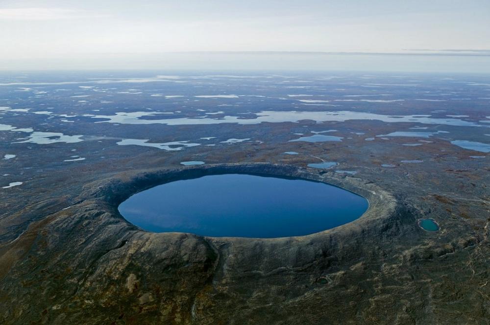 reddit8 pingualuit crater