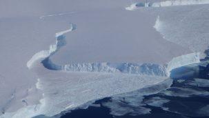 Break in Ice Shelf