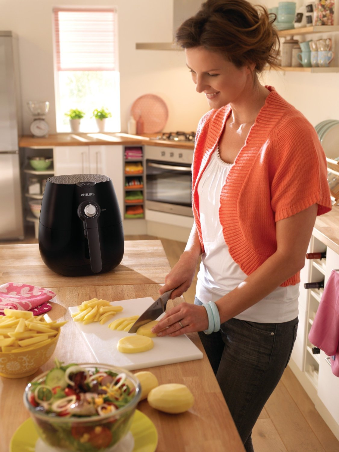 The Philips HD9220/26 is also a very good fryer and costs less than $200.