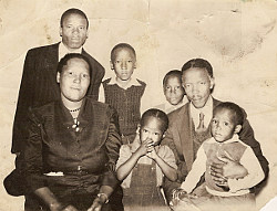 Family portrait c.1955 (source: Ntsiuoa Mohapeloa Private Collection)