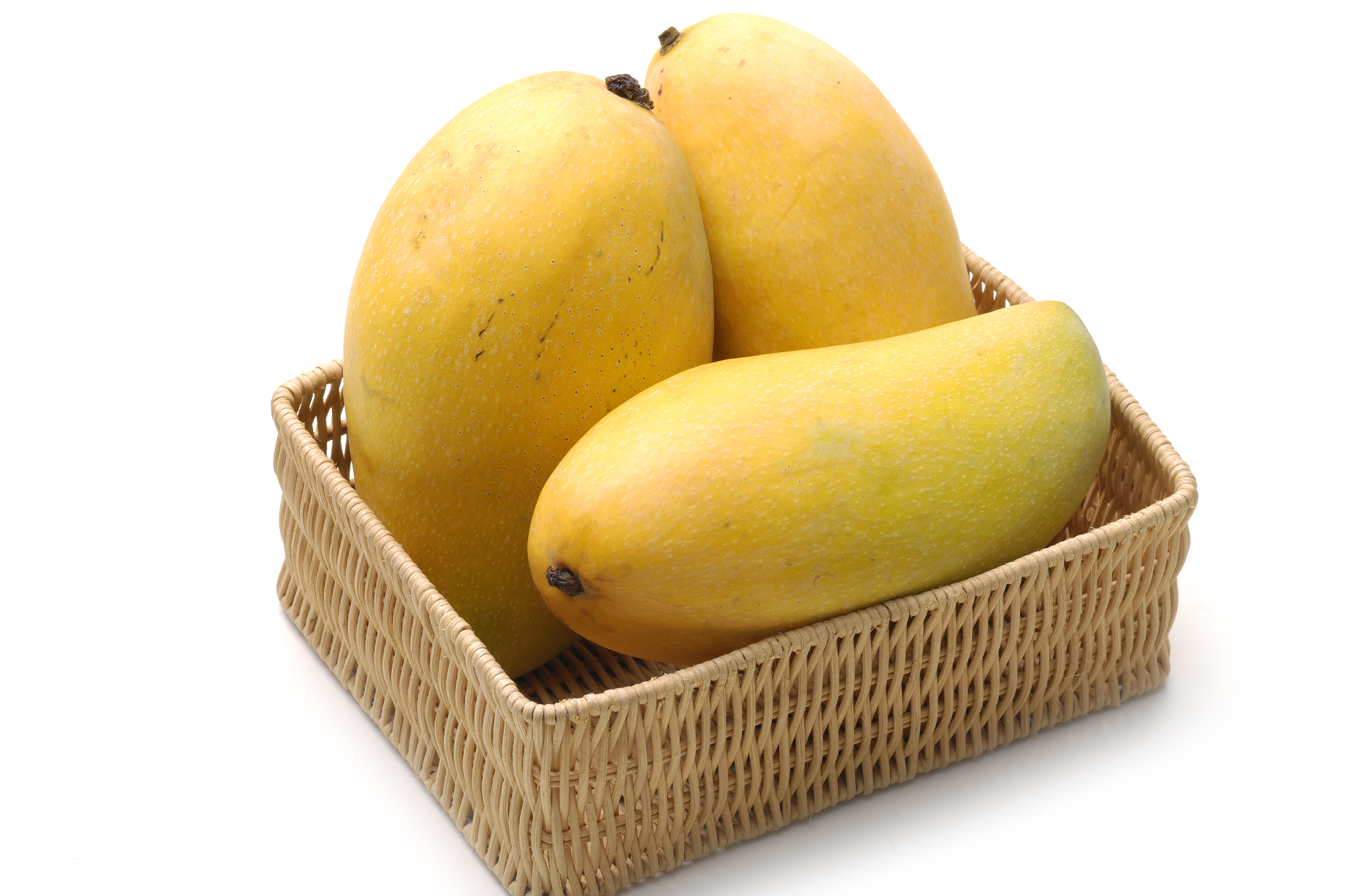 Ataulfo Mangoes Arrive at Harry & David in June! Get 'em While You Can.