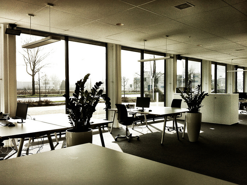 making-your-office-ergonomic-is-good-for-you-and-the-environment2