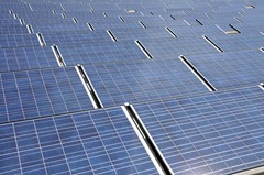 The discovery means solar cell manufacturers can create stacked solar cells that can handle high-intensity solar energies without losing voltage at the connecting junctions, potentially improving conversion efficiency. Click to enlarge. (Photo: NC State University)