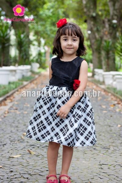 Vestido infantil xadrez preto e branco