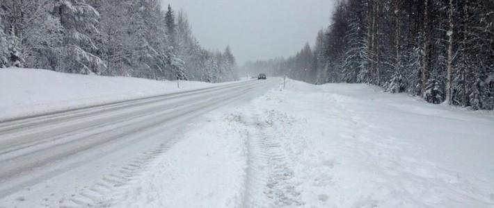 Bardzo złe warunki drogowe w środkowej Finlandii