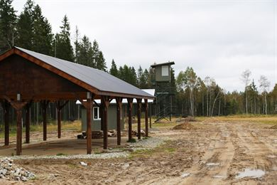 Estonian and U.S. officials cut the ribbon on U.S. Army Europe-funded European Reassurance Initiative projects managed by the Corps of Engineers Europe District in Tapa, Estonia December 15, 2016. Projects including a railhead upgrade, and loading and staging areas; improvements to training ranges; motor pool wash racks and maintenance bays; and new and refurbished vehicle storage and maintenance buildings will support USAREUR, the Estonian Ministry of Defense and NATO partners. Future projects for the Army at Tapa and U.S. Air Forces in Europe at Amari Air Base are in the planning stages. In addition to Estonia, the district will manage ERI work in Bulgaria, Germany, Hungary, Latvia, Lithuania, Luxembourg, Norway, Poland, Romania and Slovakia. The district has more than 260 projects totaling approximately $500 million to improve airfields, military quarters, operations centers, training ranges and support facilities. This work enables U.S. and NATO partners to efficiently continue training requirements to help ensure peace and security in Europe.