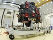 Manipulation of Rosetta's Lander at CSG facilities Credit: ESA-Service Optique CSG