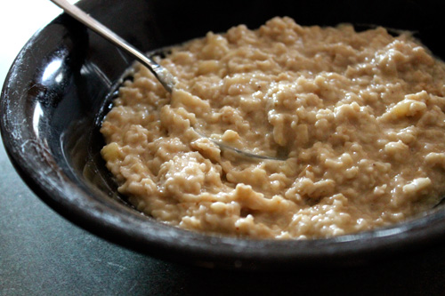 Oatmeal for treating bumpy skin
