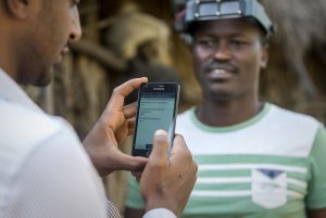 Health officers use mobile phones to input data during a trachoma mapping project in Ethiopia. / Dominique Nahr, Sightsavers