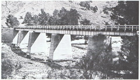The earlier 5 span bridge