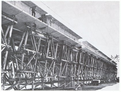 Commonwealth Avenue Bridge under construction
