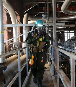 Marines with Identification and Detection Platoon, IDP, part of the primary assessment team, Chemical Biological Incident Response Force, CBIRF, locate and assess casualties found at a steam plant during a training exercise with the Fire Department of New York, FDNY, on Randall's Island, N.Y., Sept. 15, 2016. CBIRF's Marines and sailors participated in a training event that included three days of lane training with FDNY instructors teaching classes in vehicle extrication, breaching, rope rescue and medical as part of urban rescue operations, and a final training operation in which CBIRF responded to a notional steam plant explosion. (Official U.S. Marine Corps photo by Lance Cpl. Maverick S. Mejia/RELEASED)