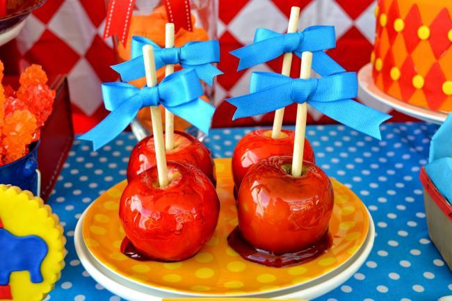 Boys Circus Themed Birthday Party Food Candy Apples Ideas