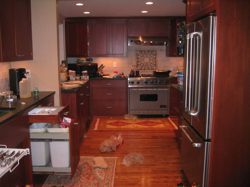 Image of: Kitchen With Cherry Cabinets