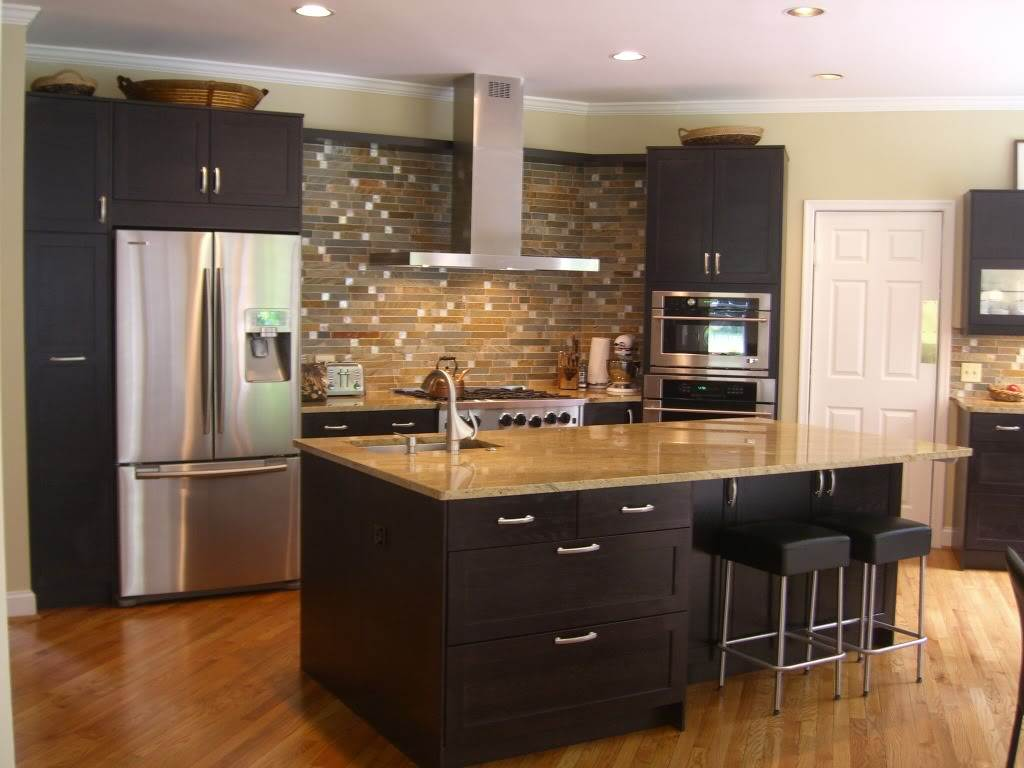 Image of: Pictures of Espresso Kitchen Cabinets