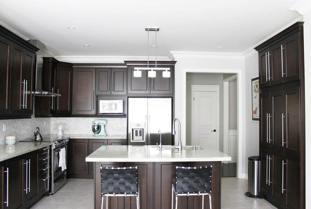 Image of: Espresso Cabinets Kitchen