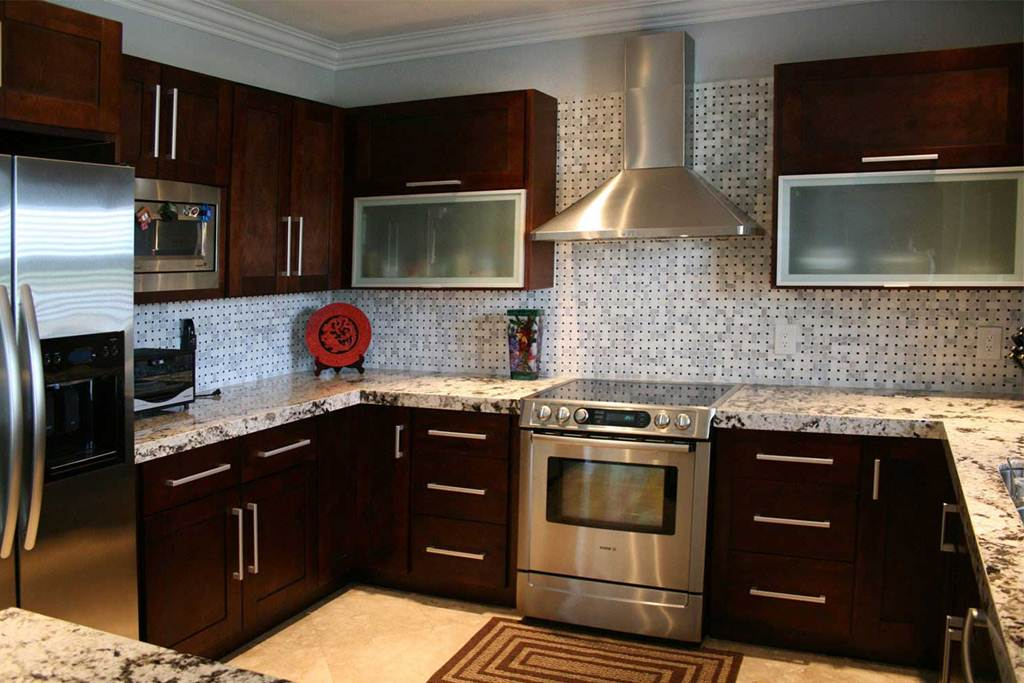 Image of: Espresso Painted Kitchen Cabinets