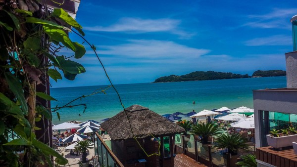Praia de Bombinhas- vista da sacada do hotel Bora Bora - Foto Elbio Oliveira