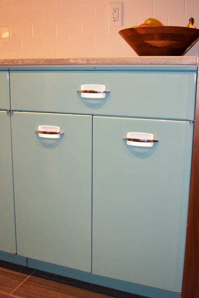 Image of: Kitchen Cabinet Pull Outs