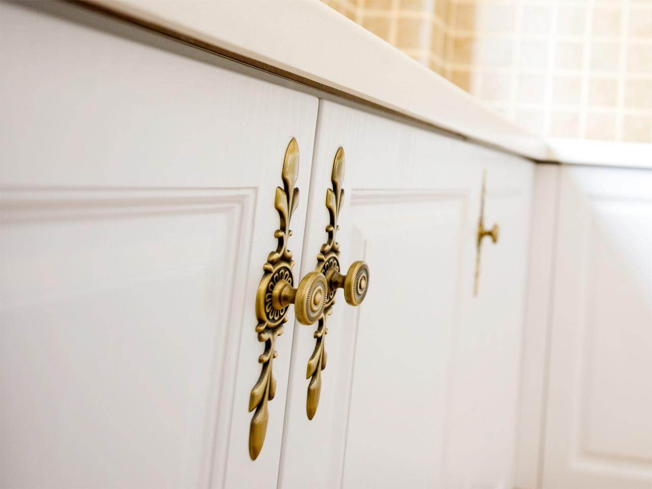 Image of: Kitchen Cabinet Pulls Handles