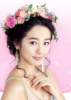 女星尹恩惠甜美新娘妆图