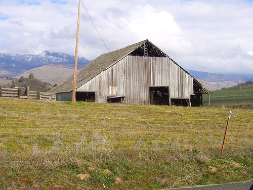 A barn just outside of town