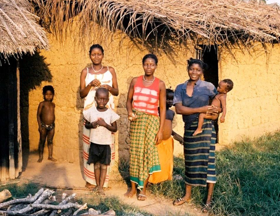 Roots0fChange_TOU-002-african-women