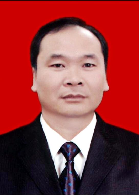 云南滇东水泥有限公司董事长――杨爱国
