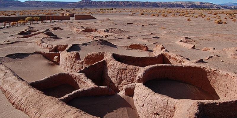CHILE-san-pedro-de-atacama-ruinas-de-tulor