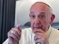 Pope Francis Confounds Liberal Media, Refuses to Dis Trump