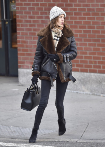 alexa-chung-style-shearling-jacket-scarf-wool-hat