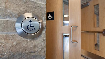[accessible entrance]