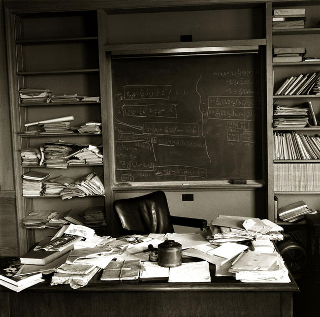 albert-einsteins-office-on-the-day-he-died