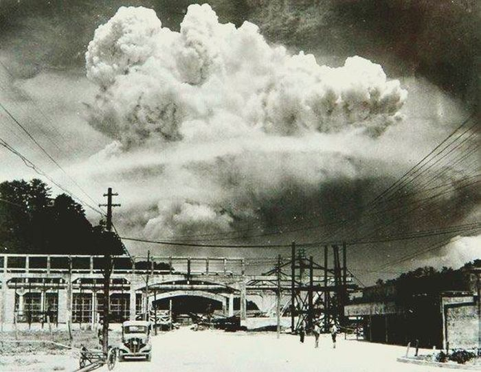20-mins-after-the-atomic-bomb-nagasaki