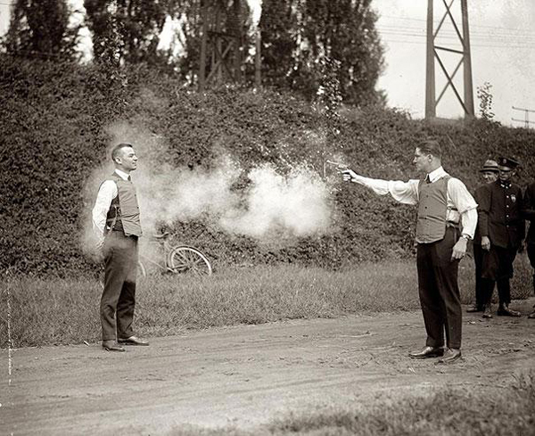 Testing-of-new-bulletproof-vests-1923