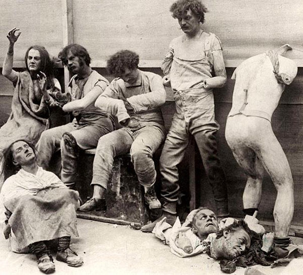 fire-at-Madam-Tussauds-Wax-Museum-in-London-1930-melted-damaged-and-destroyed-mannequins-and-statues