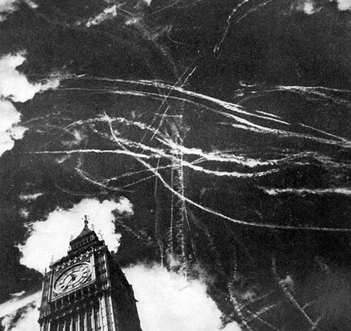 the-london-sky-during-a-bombing-and-air-fight-between-germans-and-british-planes-1940