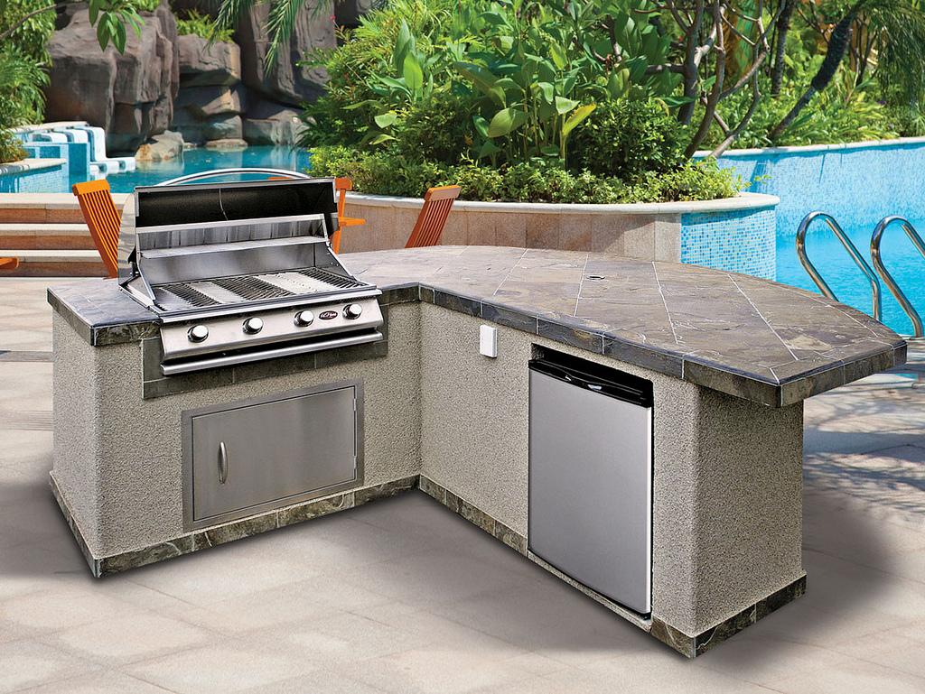Image of: Prefab Outdoor Kitchens