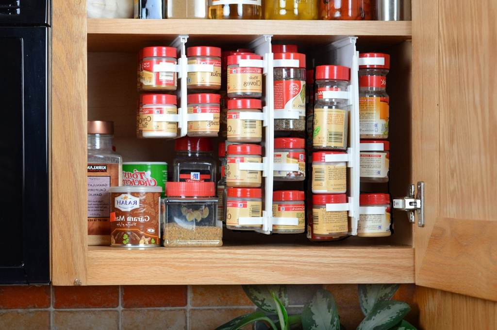 Image of: DIY Kitchen Cabinet Organizers