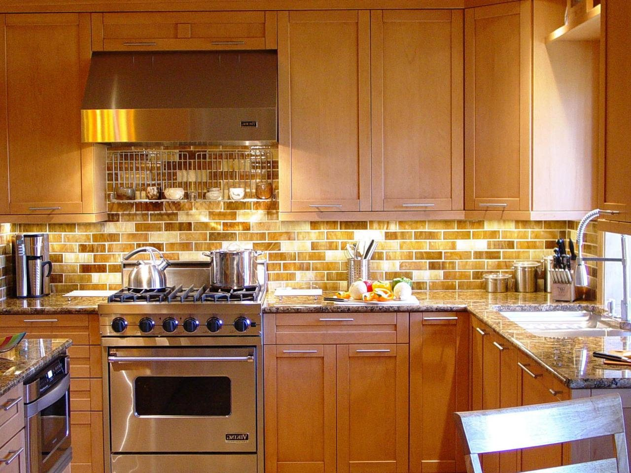 Image of: Subway Tile Kitchen Backsplash