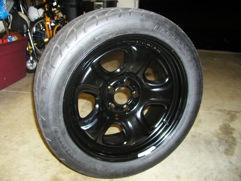 Dodge Charger all-black police car wheel a