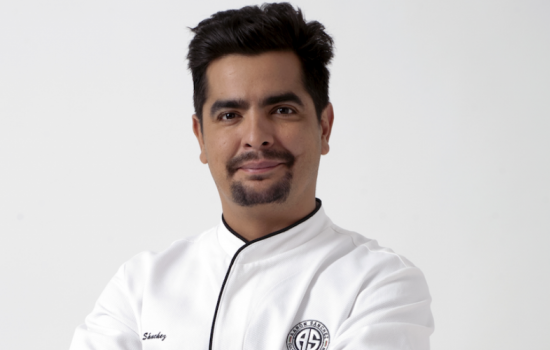 EXCLUSIVE: Chef Aarón Sánchez on What He Thinks of Female Chefs