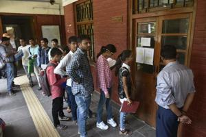 Delhi University admissions: 3rd cutoff today, can dip marginally